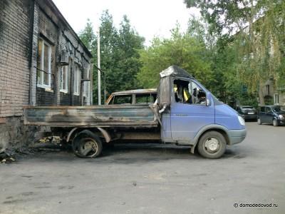 Сгорело 2 автомобиля