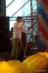 Дима Билан поет в Домодедово
