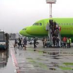 Машины аэропорта Домодедово. Трап