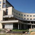 Недостроенный медицинский центр в ЖК Гранд Авион