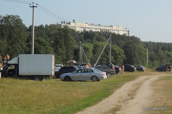 На берегу Рожайки около санатория Подмосковье