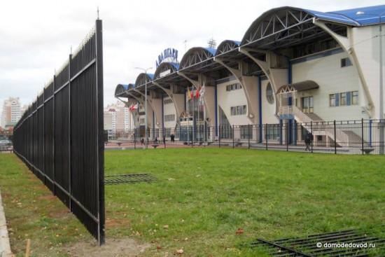 Строительство забора вокруг стадиона Авангард