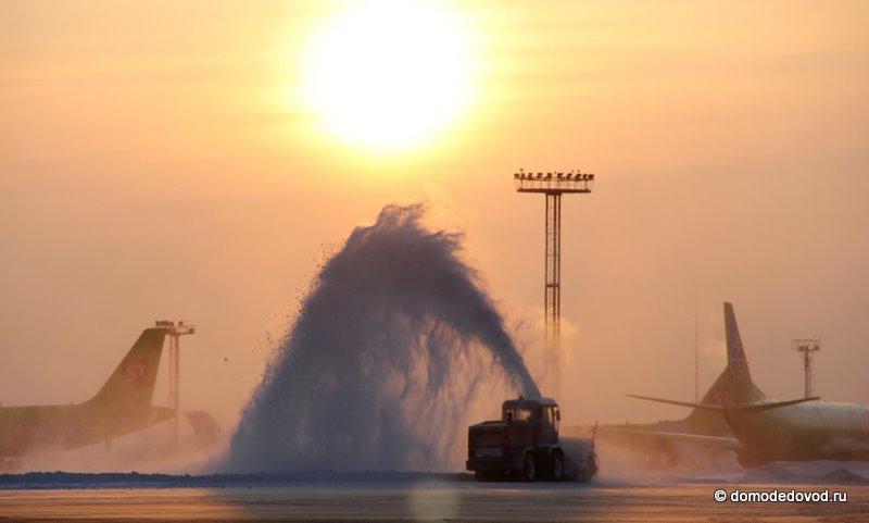 Зимнее утро в аэропорту Домодедово