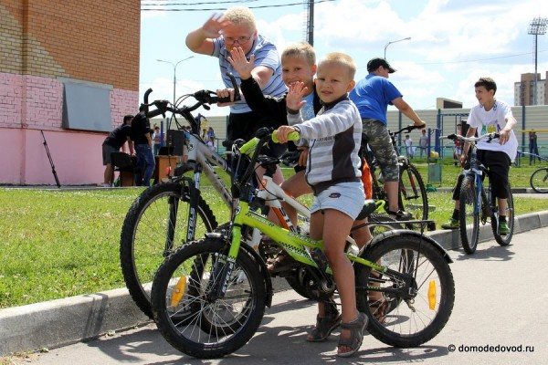 Юные велолюбители