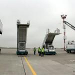 Автолифт, трапы и машина для противообледенительной обработки воздушных судов