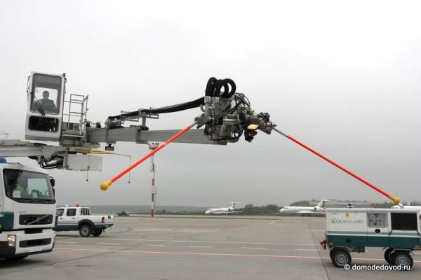 Машина для противообледенительной обработки Elephant Beta-15 DeIcer