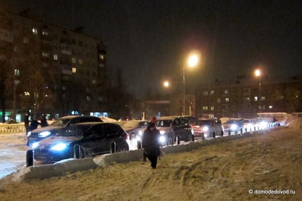 Снегопад в Домодедово привел к пробкам (1)