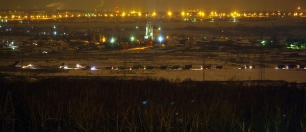 Колонна автомобилей на свалке в Домодедово