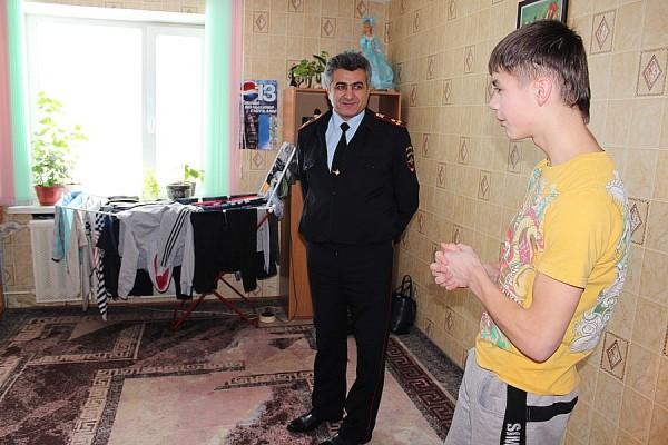 Домодедовские полицейские посетили детский дом им. Талалихина (9)