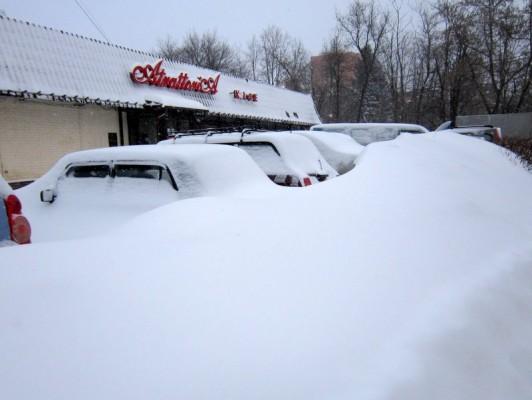 Снегопад в Домодедово. Около «Атраттории»