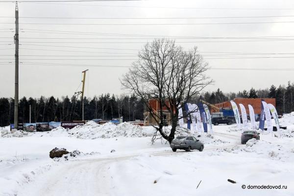 Домодедово Таун.  Вид на главный въезд.