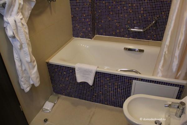 Номер в гостинице Рамада. Ванная комната