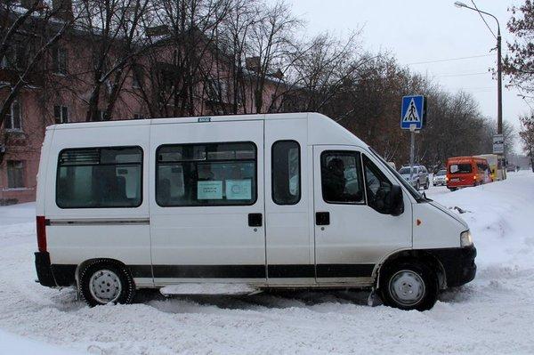 Микроавтобус на Советской