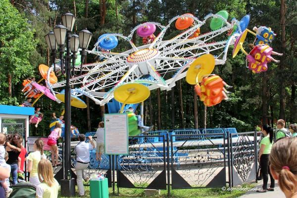 http://domodedovod.ru/uploads/2013/06/den-detey-park-yolochki-5109-600x400.jpg