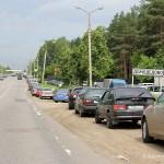 Автомобили на Каширском шоссе около парка Елочки