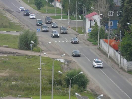 Кортеж Дмитрия Медведева на улице Кирова в Домодедово