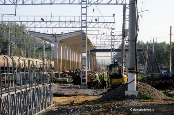 Работы по реконструкции путей около платформы Авиационная