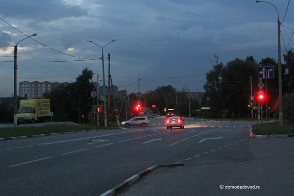 Несоответствие разметки и дорожных знаков