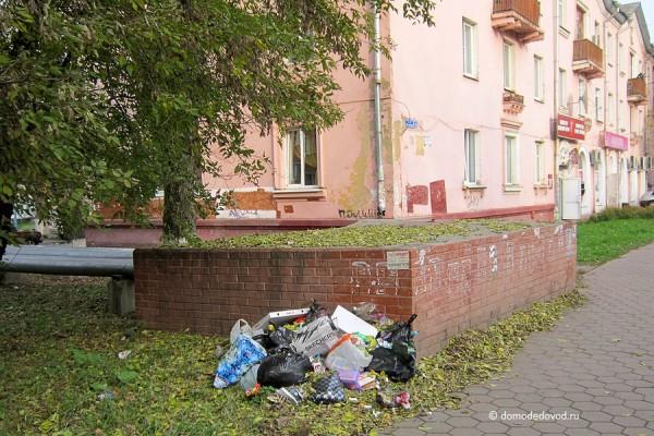 Мусор на улице Советская