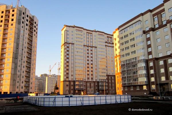 Новое Домодедово. Вид внутри дворов.