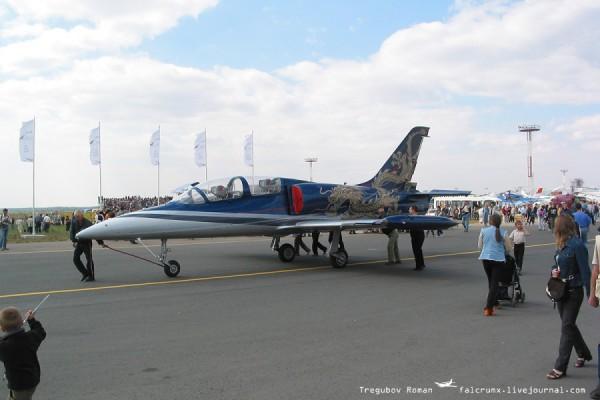 """Л-39 с """"китайской"""" ливреей"""