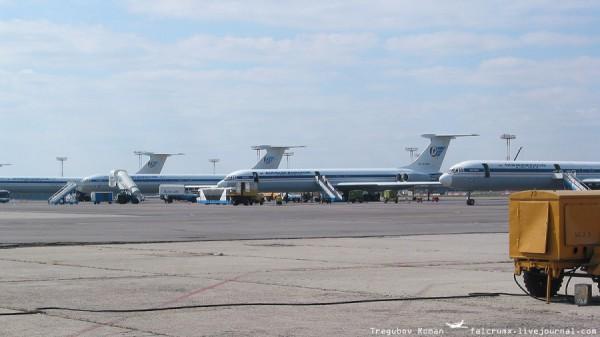 """""""Полк"""" из дальнемагистральных авиалайнеров Ил-62. Красавцы!"""