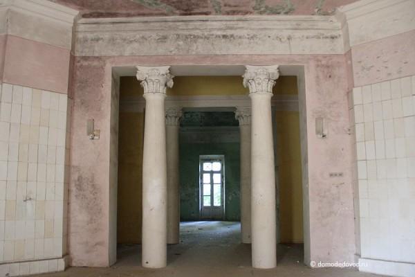 Усадьба Константиново - зал с колоннами