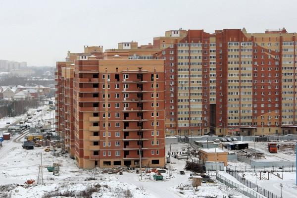 Многоэтажный дом в микрорайоне Западный. Застройщик СМР Строй