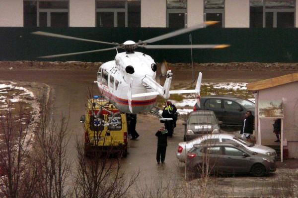 К больнице в Домодедово прилетел вертолет