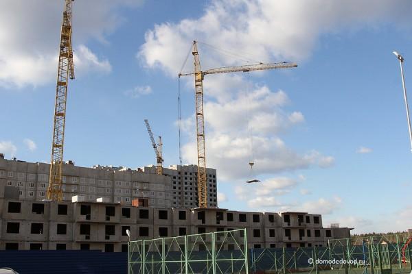 Дальше продолжается строительство