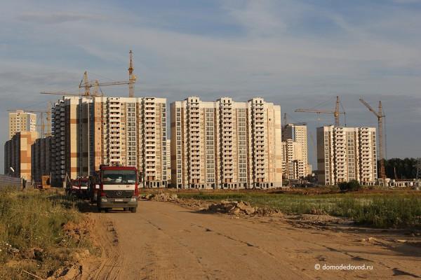 СУ-155. Микрорайон Южное Домодедово. Вид с поля