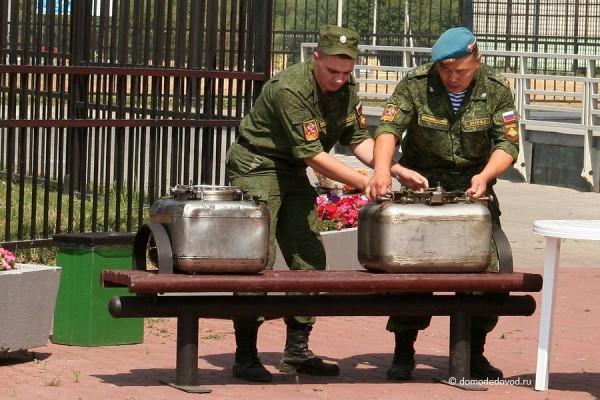 Военная кухня в День ВДВ