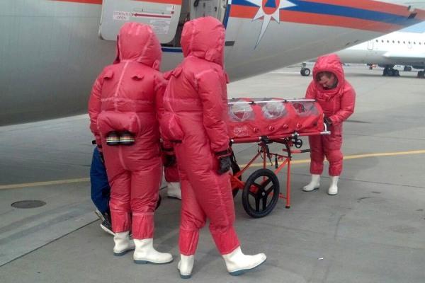 В аэропорту Домодедово МЧС провело учения и демонстрацию нового оборудования  в связи с распространением вирусом Эбола