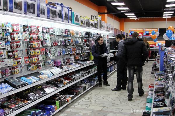 Продавец-консультант в супермаркете электроники DNS