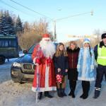Домодедовские полицейские поздравили автолюбителей и детей с Новым годом