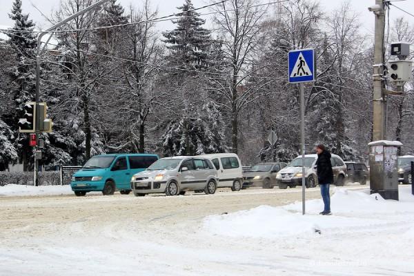Уборка снега в Домодедово: перекресток Каширского шоссе и Советской улицы