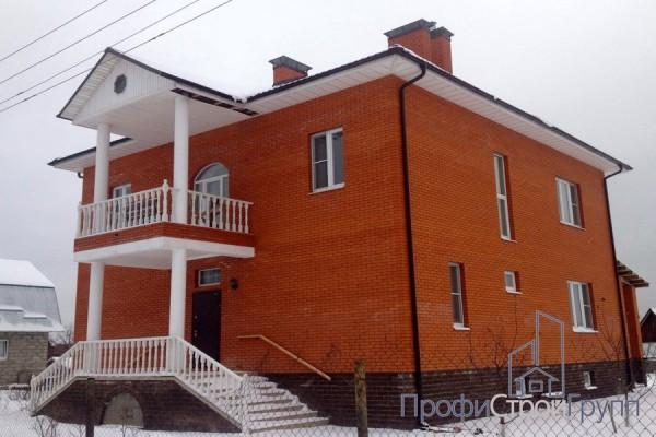 Двухэтажный жилой дом с подвалом в с. Никитское