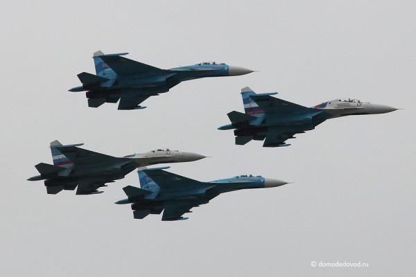 Су-27 в небе Подмосковья