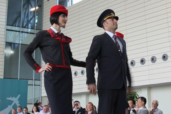 Авиакомпания ВИМ-Авиа недавно презентовала новую форму. Стильно.