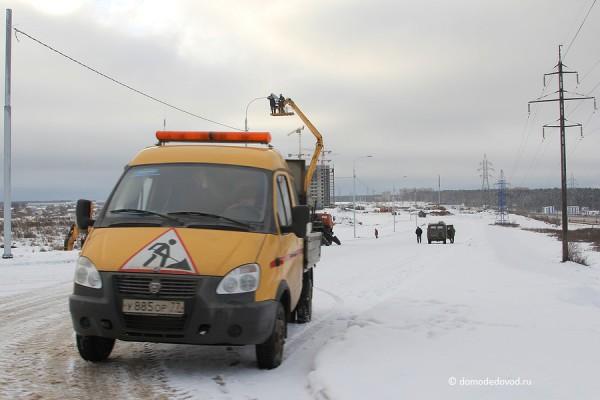 Монтаж электроосвещения на развязке с трассой М4 «Дон» в Южном Домодедово