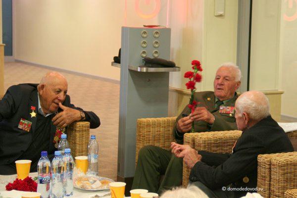 Аэропорт Домодедово предоставляет бесплатные услуги VIP-зала ветеранам ВОВ