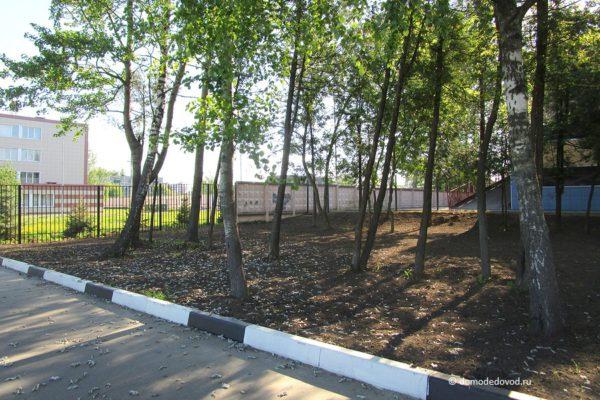 Парковка МОСТ-11 около первой школы