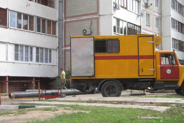 Ремонт инженерных сетей на улице 25 лет Октября