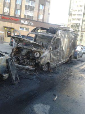 Сгоревшие машины в Новом ДомодедовоСгоревшие машины в Новом Домодедово