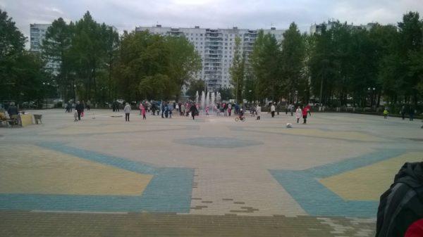 Площадь у ДК «Авиатор»