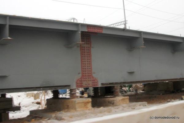 Монтаж металлического пролётного строения над Каширкой