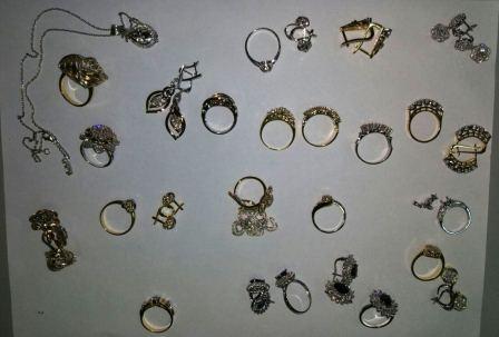 Кольца и серьги стоимостью более 3 миллионов рублей