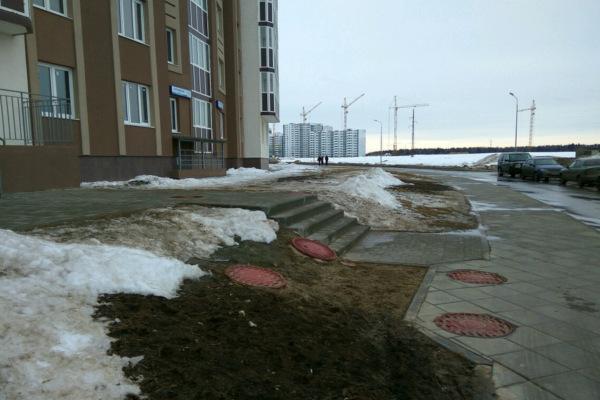 Так паркуются в Новом Домодедово
