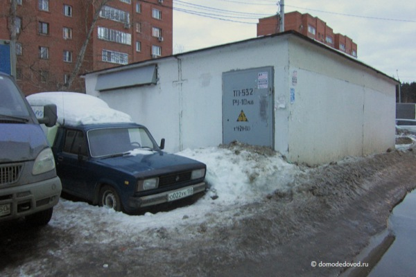 Лужи у ТЦ «Каширский»