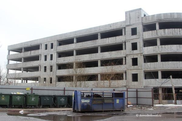 Многоуровневная парковка на ул. Набережная